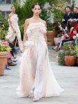 oscar-de-la-renta-spring-summer-2019-collection-ss19-47-feather-gown