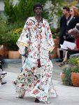 oscar-de-la-renta-spring-summer-2019-collection-ss19-8-oversized-robe