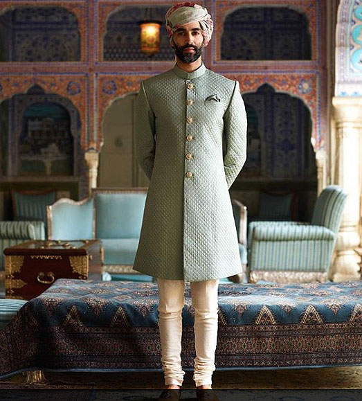 sabyascahi-mukherjee-latest-ethnic-wear-trends