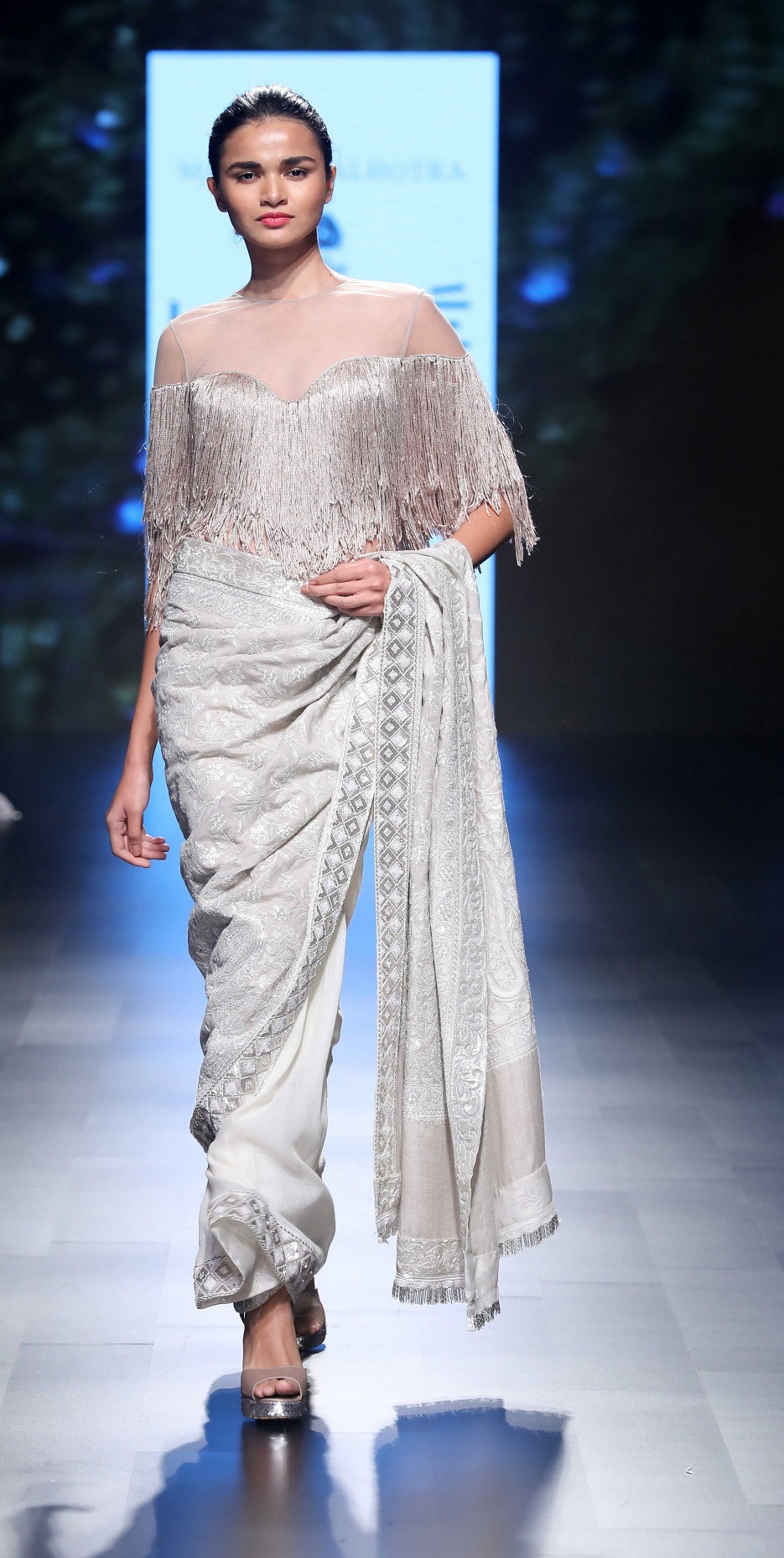 Manish Malhotra unveils Inaya made using Merino wool in collaboration with The Woolmark Company at LFW SR 18 (3)