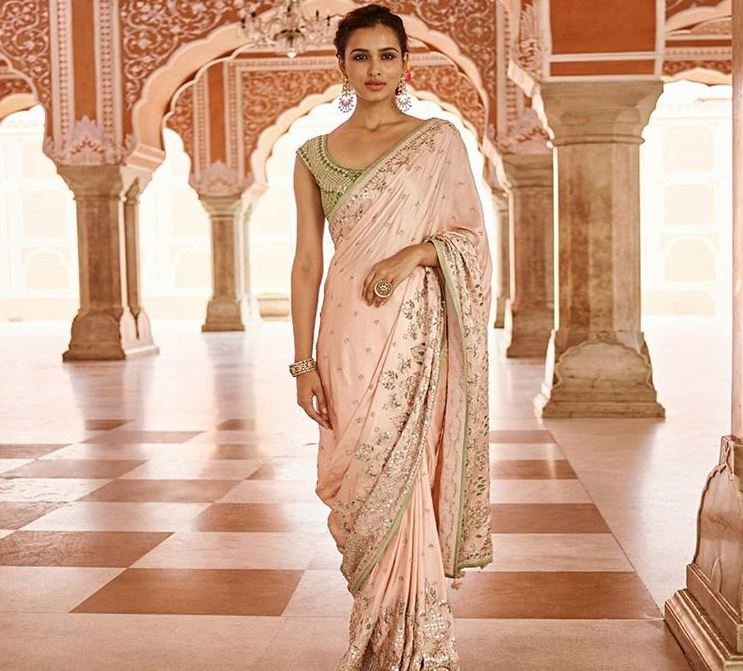 Anita Dongre Latest Saree Trends 2019 Light Colors