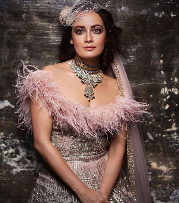 Falguni Shane Peacock Bridal Fashion Trends for 2019 Smokey Makeup