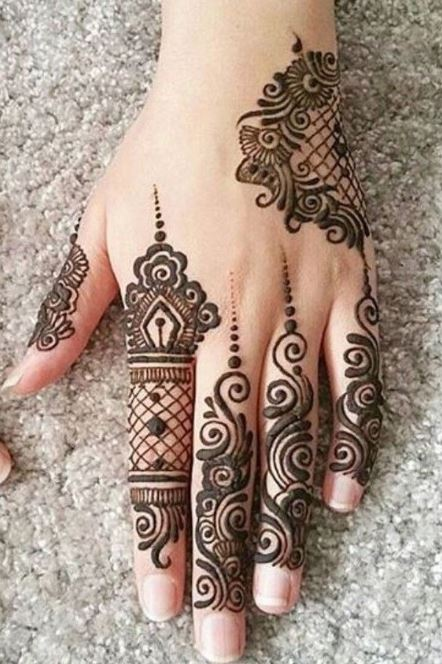 Latest Mehendi Designs Beautiful Trends for Girls (23)