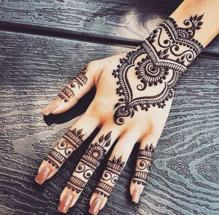 Latest Mehendi Designs Beautiful Trends for Girls (26)