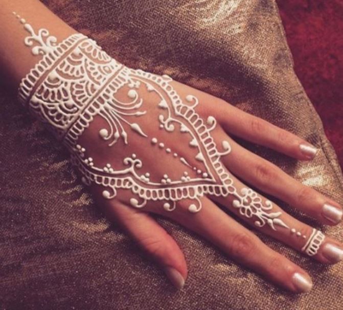 Latest Mehendi Designs Beautiful Trends for Girls (33)