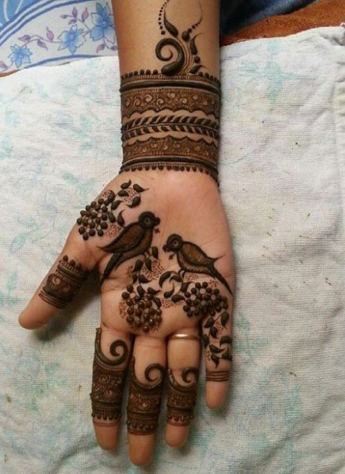 Latest Mehendi Designs Beautiful Trends for Girls (42)