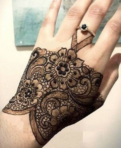 Latest Mehendi Designs Beautiful Trends for Girls (53)