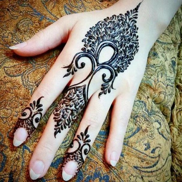 Latest Mehendi Designs Beautiful Trends for Girls (55)