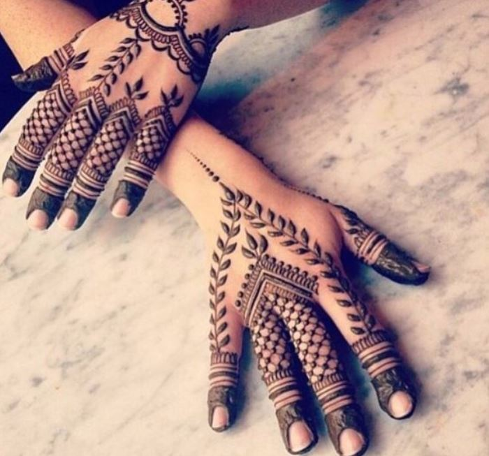 Latest Mehendi Designs Beautiful Trends for Girls (56)