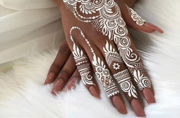 Latest Mehendi Designs Beautiful Trends for Girls (57)