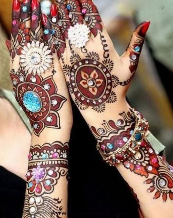 Latest Mehendi Designs Beautiful Trends for Girls (58)