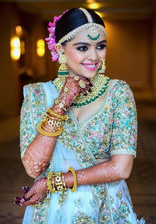 Sabyasachi Top Indian Wedding Jewelry Trends 2019 Styles Green.JPG (3)