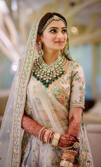 Sabyasachi Top Indian Wedding Jewelry Trends 2019 Styles Green.JPG (4)