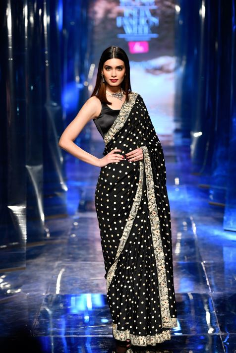 Siddartha Tytler LMIFWAW 2019 Saree Color Trends Black