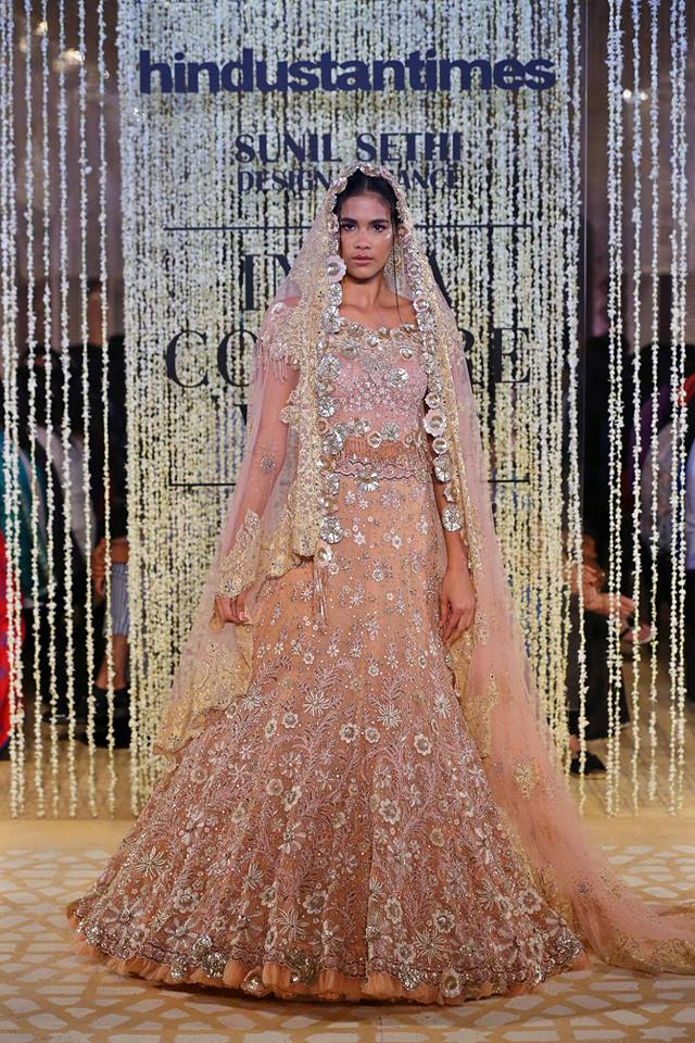 Tarun Tahiliani Latest Bridal Lehenga Colors Trends 2019 (2)