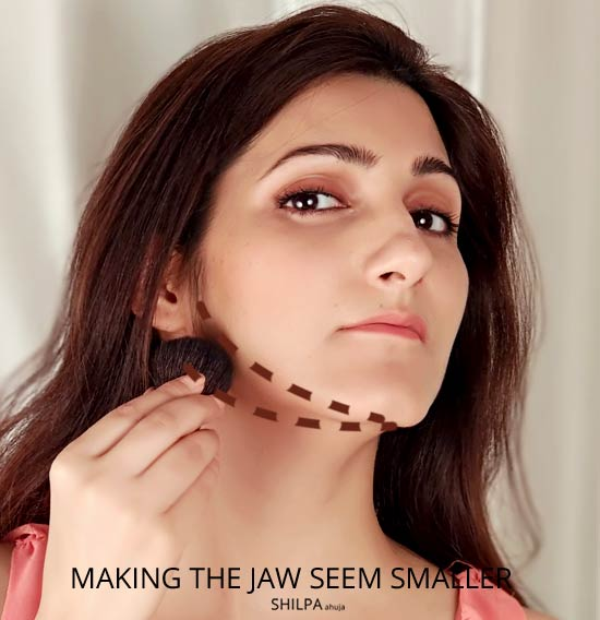 contouring-jawline-hack-makeup-beauty-tips-tricks