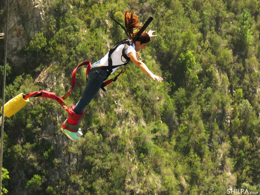 south-africa-travel-blog-bungee jumping bloukrans bridge