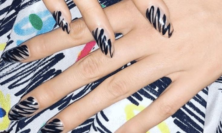 brush strokes nail art design 2019 nails moschino