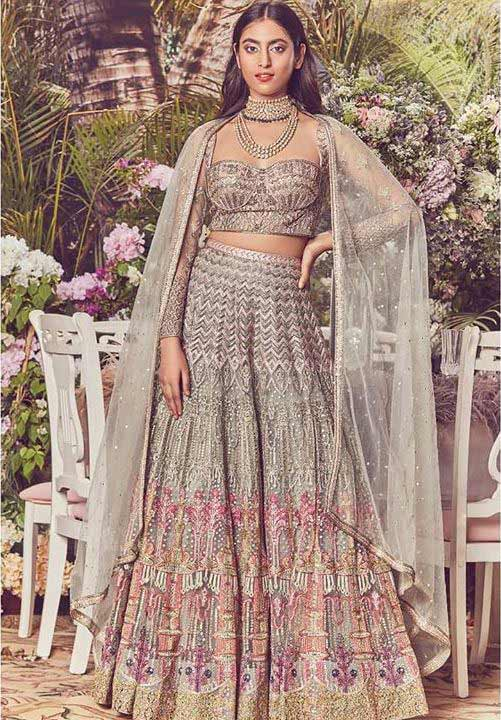 Trendy-Lehenga-Designs-2019-Chevron-Pattern-Falguni
