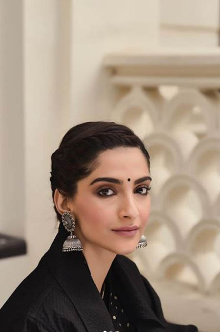 sonam kapoor bollywood celebrity hairstyles 2019 latest