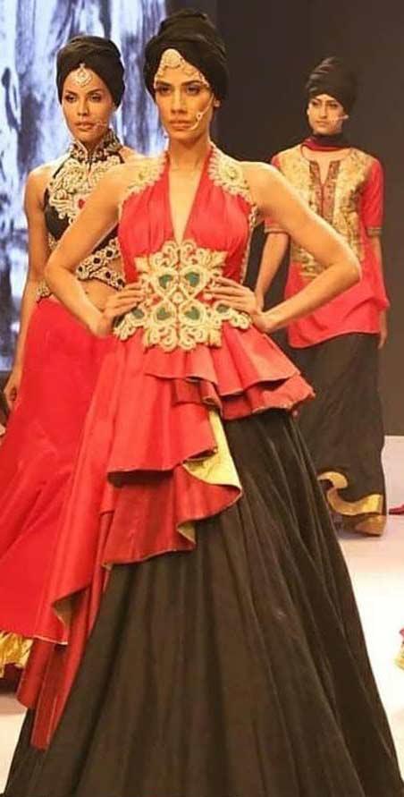 2019 designer lehenga choli blouse Ritu-beri