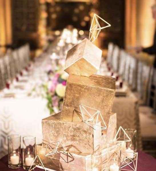 Trendy-Wedding-Cake-Designs-2019-Lighting-jasmineraecakes-x-jl_imagination