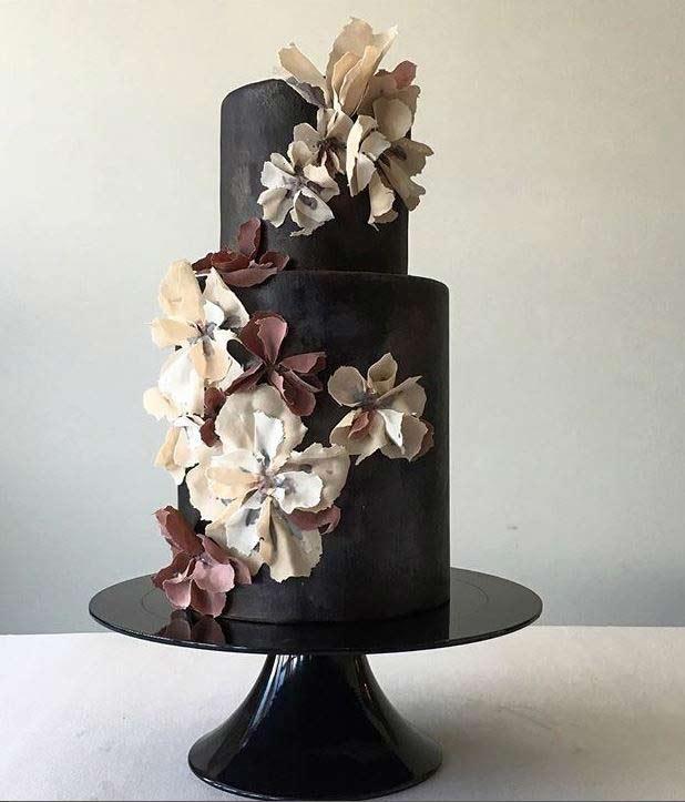 Trendy-wedding-Cake-Designs-2019-black-jasmineraecakes