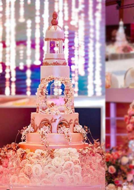designer-wedding-Cakes-2019-sculptural-sweethollywood