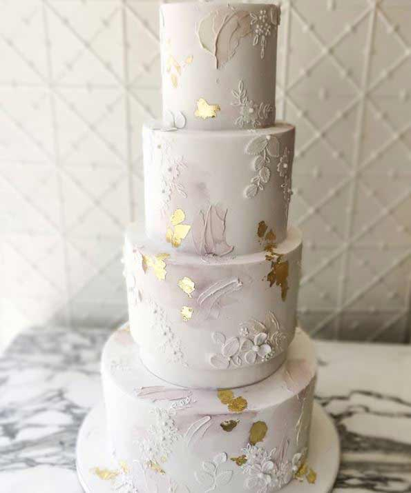 new-wedding-Cake-trends-2019-gold-specks-fayecahillcakedesign