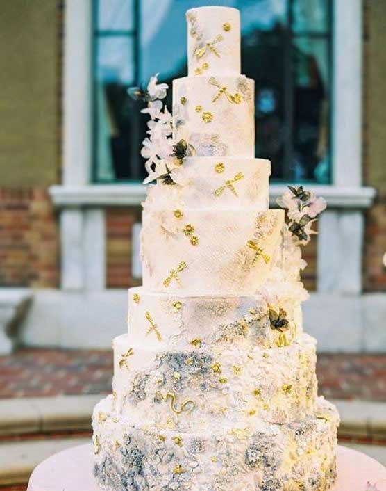 new-wedding-Cake-trends-2019-gold-specks-graceandhoneycakes