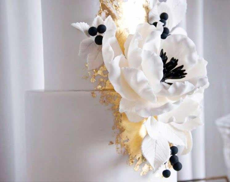 new-wedding-Cake-trends-2019-gold-specks-kissmycakeaustralia