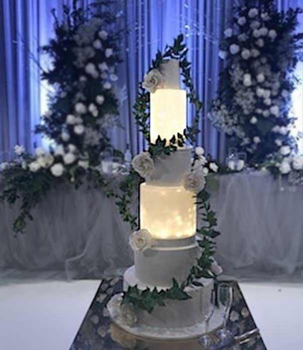 unique-wedding-Cake-trends-2019-lighting-mimibelle_wedding_cakes