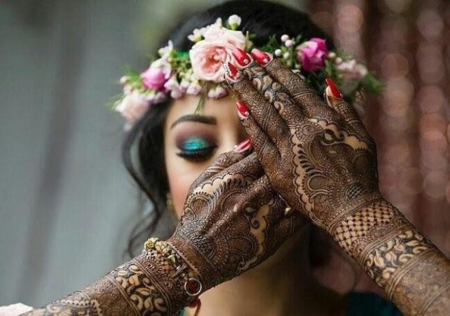 what to wear to indian wedding mehndi Ceremony