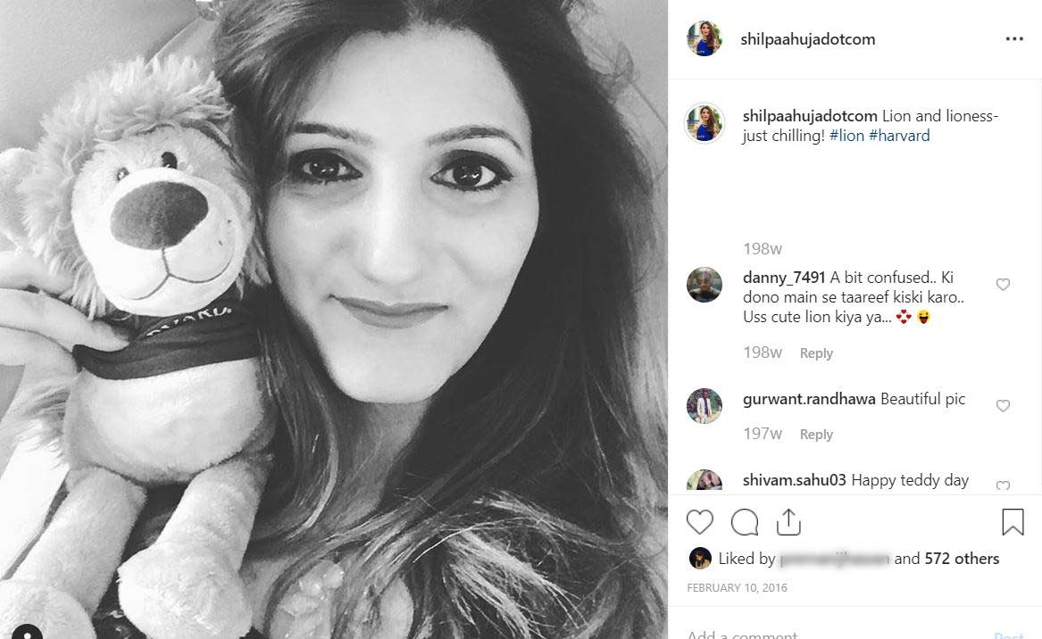 11 Types of Selfie Captions on Instagram & How to Master Them