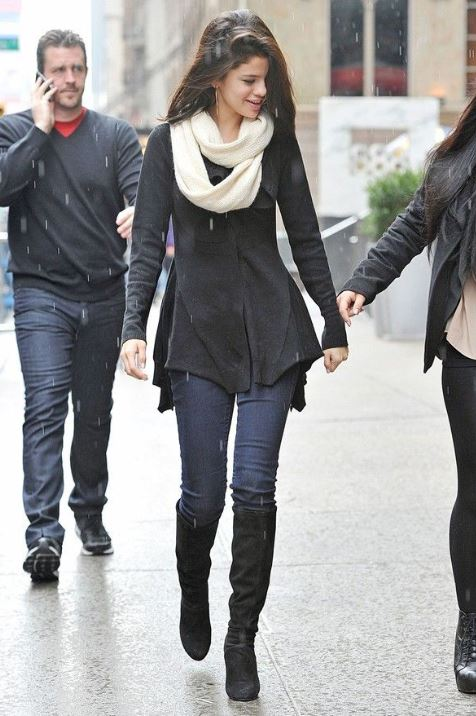 cool celeb style selena gomez winter outfit
