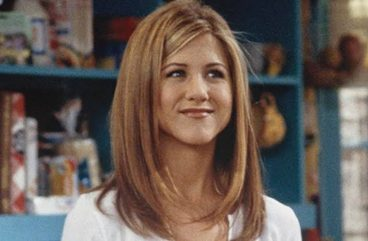 jennifer aniston layered rachel cut straight haircut long hair