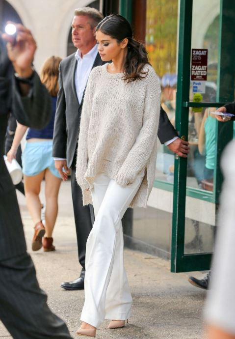 selena gomez casual dressing ideas winter street style