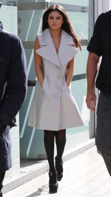 selena-gomez-street-style-white coat