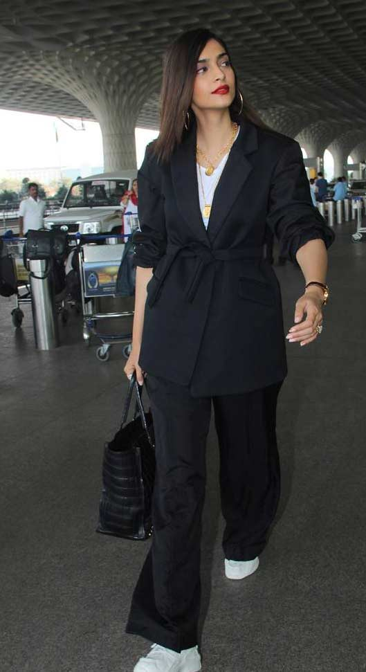 pant-suit bollywood actress street style 2020