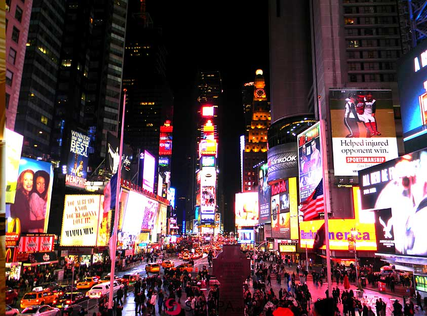 times-square-manhattan-new-york-vacaion-spots-in-US