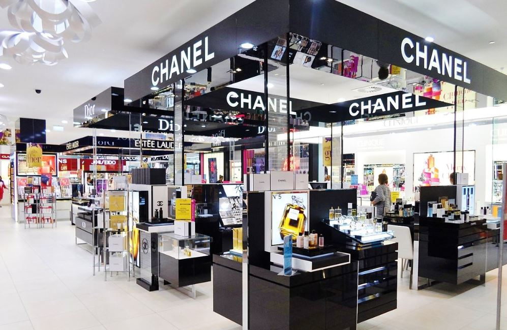 makeup store beauty retail india chanel dior