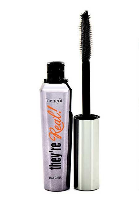 types-of-mascara-wands-Pointed-Benefit-glossy-eyelash-formula