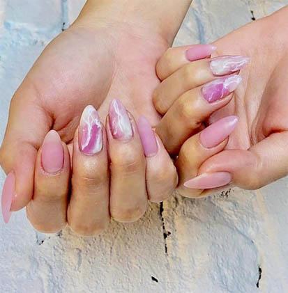 nail mani Types of Manicure_Acrylic