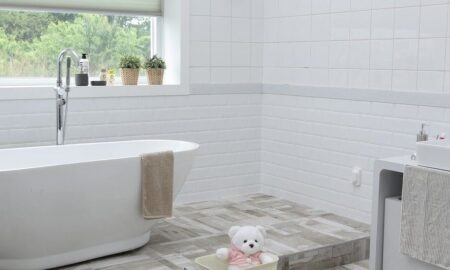 Why Water-Resistant Laminate Flooring is the Best Choice for Bathrooms